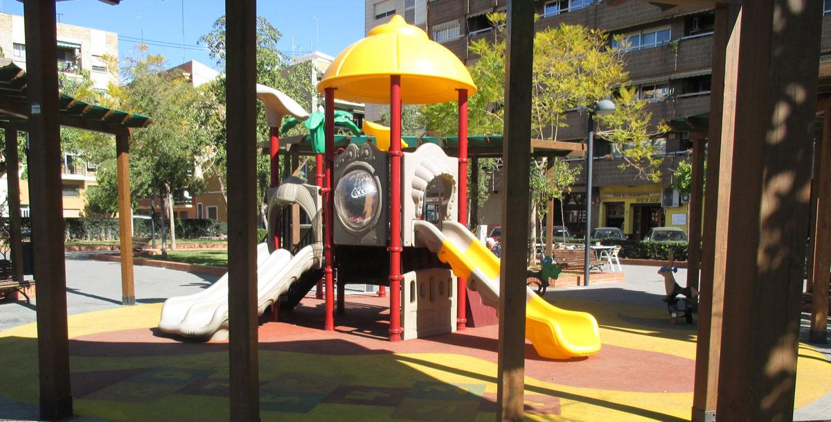oziona parque infantil en Lepanto, Mislata (Valencia)