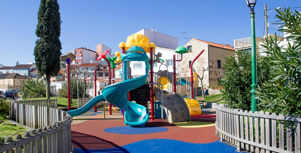 oziona parque infantil en Palmeira (Riveira)