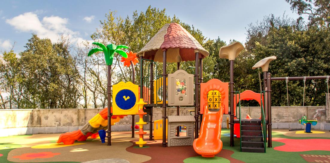 Oziona instala parques infantiles de exterior.